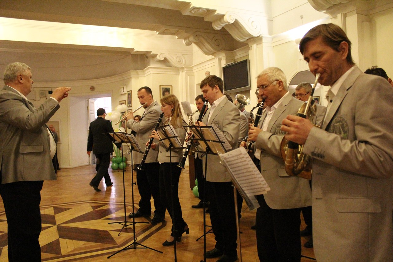 Первые лица области в торжественной обстановке поздравили тамбовчанок с 8 марта