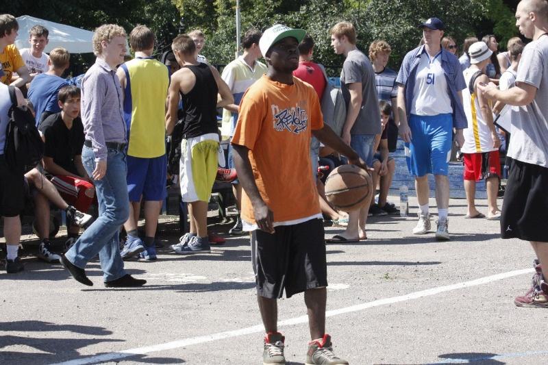 Чемпионат по уличному баскетболу в Тамбове прошел на территории областной