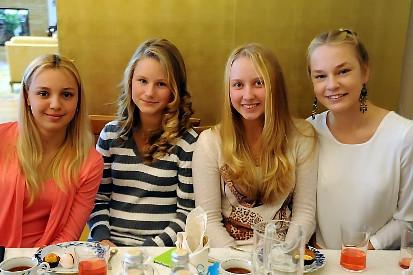 Олеся Первушина с подругами по команде