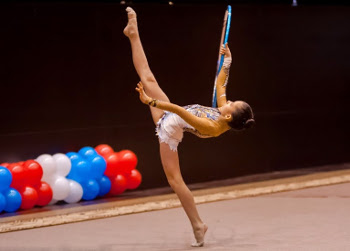 В последние дни уходящего года юные тамбовские гимнастки - воспитанницы спортшколы №1 приняли сразу в двух соревнованиях различного уровня