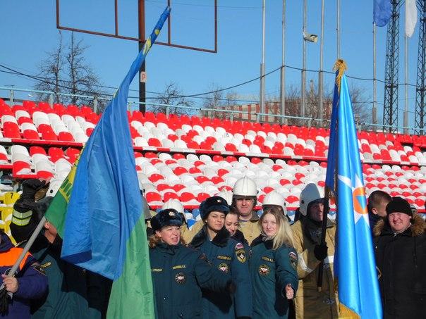 Сотрудники МЧС в Тамбове встали на коньки