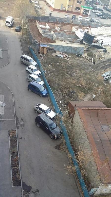 В Тамбове самозахват территории  создал проблему с парковкой возле многоэтажного дома