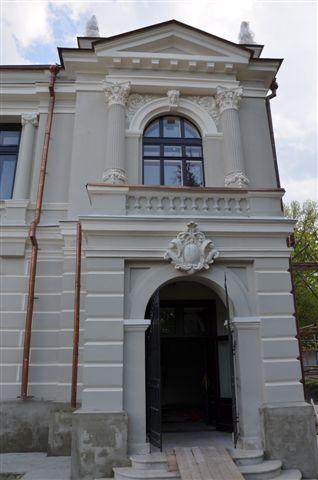 Олег Бетин побывал на стройплощадке Дома Асеева в Рассказове