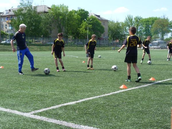 Крупный футбольный специалист Юрий Быстрицкий провел для тамбовских тренеров и игроков методическое занятие и мастер-класс