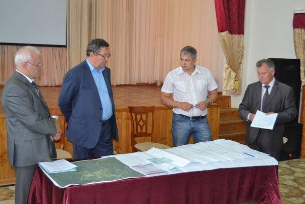 17 июня Олег Бетин посетил село Караул Инжавинского района, где проинспектировал строительство детского оздоровительно-спортивного центра