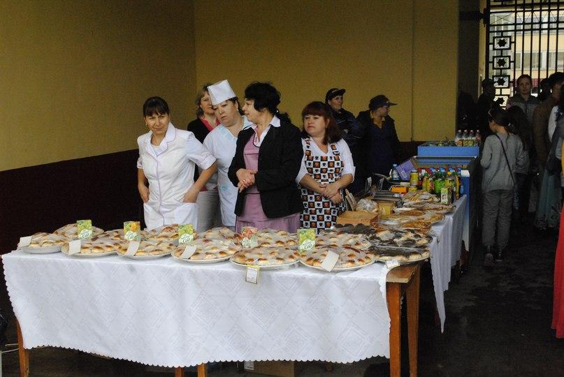 Студенты и студентки резвятся в большой ванной русские 16 фотография