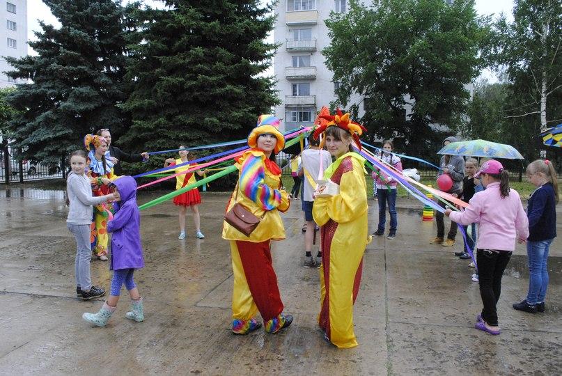 Студенты и студентки резвятся в большой ванной русские 7 фотография