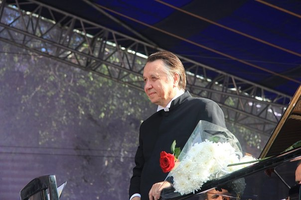 Прославленный пианист Николая Луганского закрыл международный фестиваль имени Сергея Рахманинова