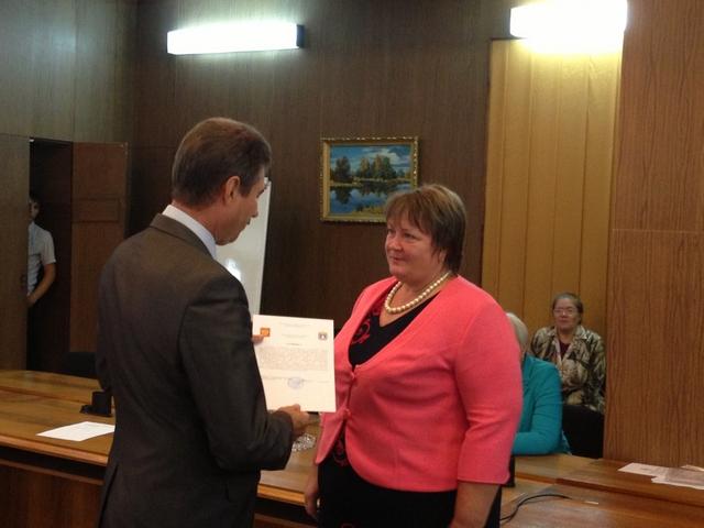 В управлении сельского хозяйства Тамбовской состоялось торжественное вручение сертификатов победителям конкурсного отбора проектов по развитию семейных животноводческих ферм.