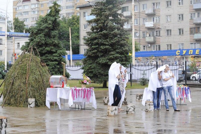 Студенты и студентки резвятся в большой ванной русские 15 фотография