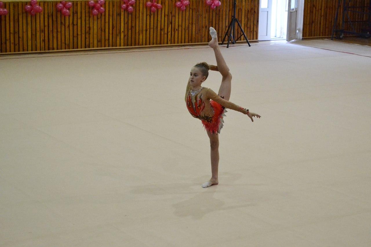 yutub-gimnastika-golaya
