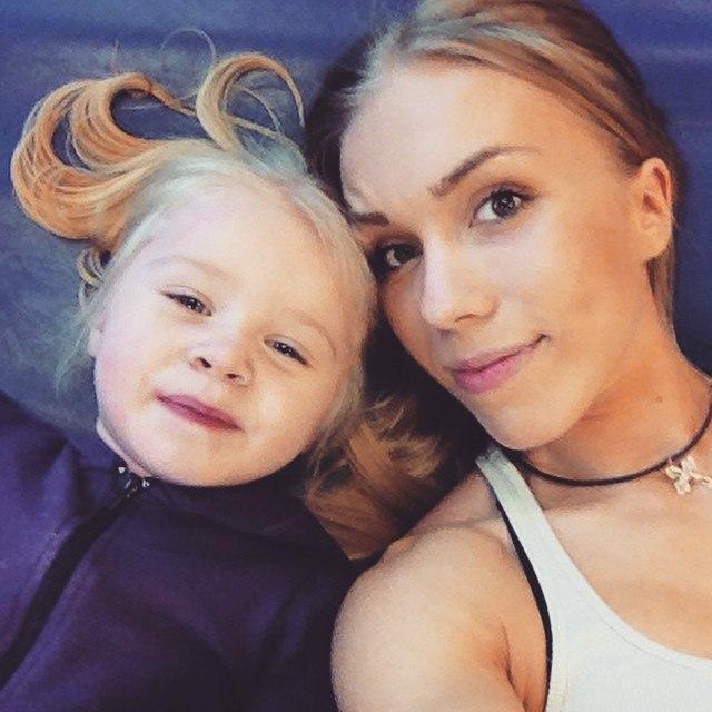 Мария Бурнина с дочерью Мирославой
