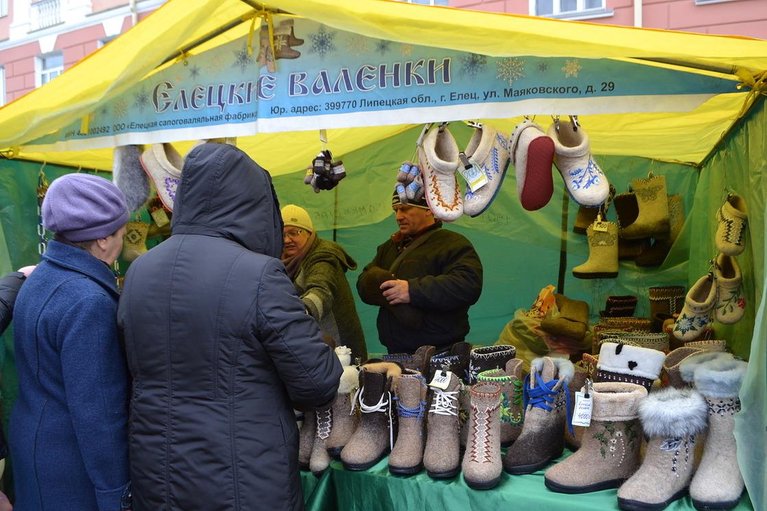 """Чем торговали на Покровской ярмарке - в репортаже ИА """"Онлайн Тамбов.ру"""