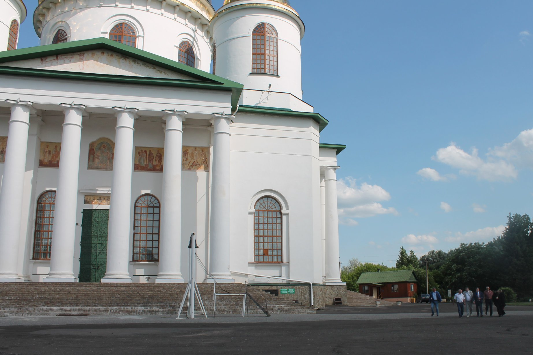 Губернатор высоко оценил реконструкцию городского сада в Моршанске
