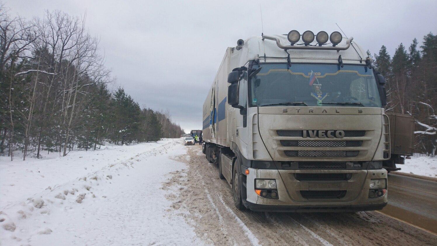 Натрассе Тамбов-Пенза столкнулись автобус, фура и Лада