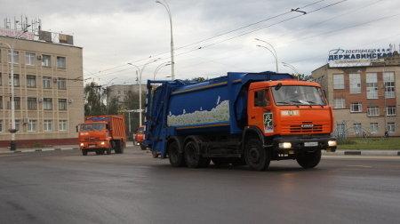 По улицам Тамбова проехала праздничная колонна мусоровозов
