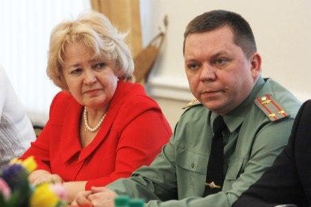 Александр Бобров встретился с жёнами военнослужащих