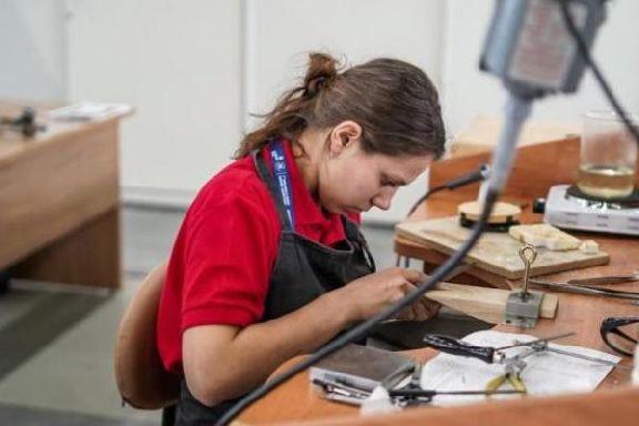 Утверждён список запрещённых профессий для женщин