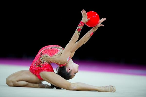Порно фото зарина гизикова художественная гимнастика