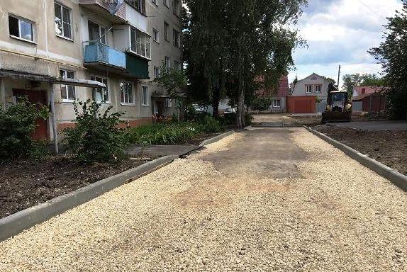 Работы по благоустройству завершены в шести дворах Тамбова