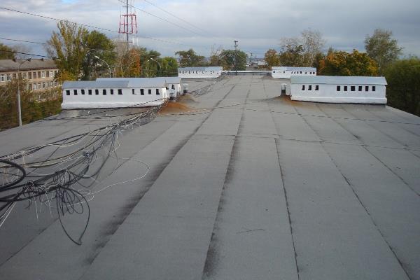 Специалисты комиссии по вводу в эксплуатацию многоквартирных домов проверили качество ремонта крыш в Тамбове