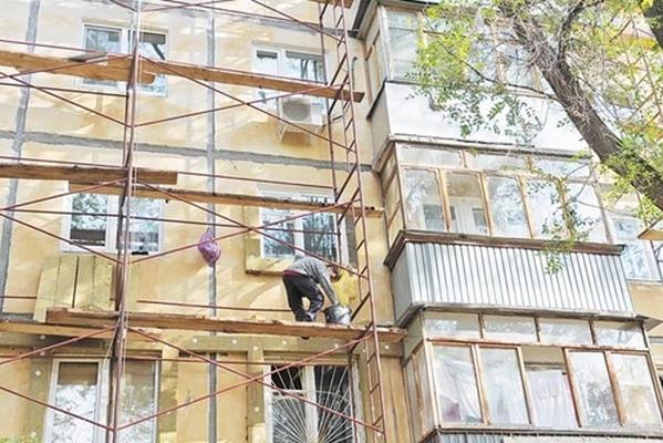 Губернатор Александр Никитин поручил строго следить за качеством капитального ремонта жилья