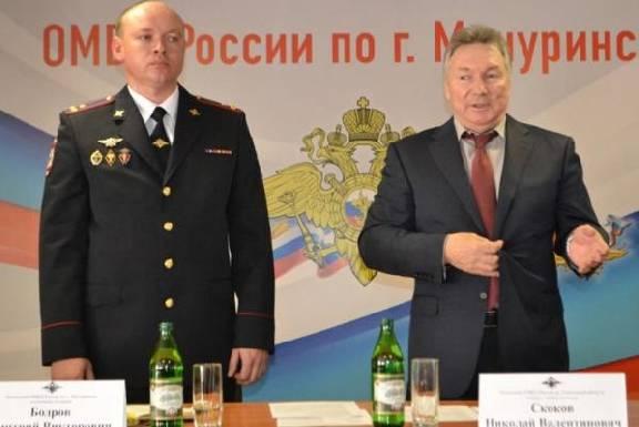 В июле 2020 года планируется взять кредит в размере s млн рублей на 3 года 17.5