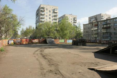 Вместо хоккейной коробки во дворе дома по улице Володарского планируется строительство 12-этажного дома