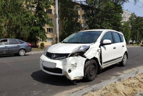 На Моршанском шоссе в Тамбове столкнулись две иномарки